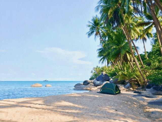 Cắm trại trên đảo cũng là một trải nghiệm thú vị
