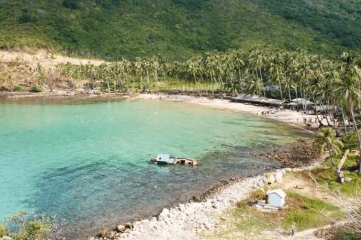 bãi Chệt – một trong những bãi tắm đẹp nhất trong vùng biển Nam Du
