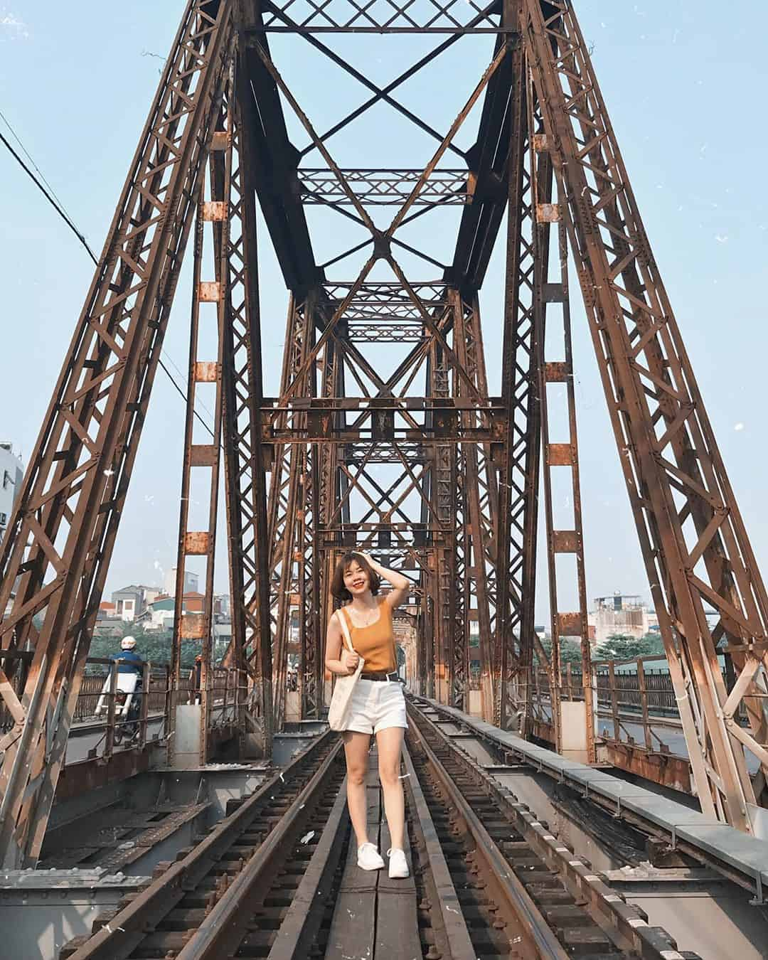 Cầu Long Biên mang vẻ đẹp cổ kính. Ảnh: @phuongnt93