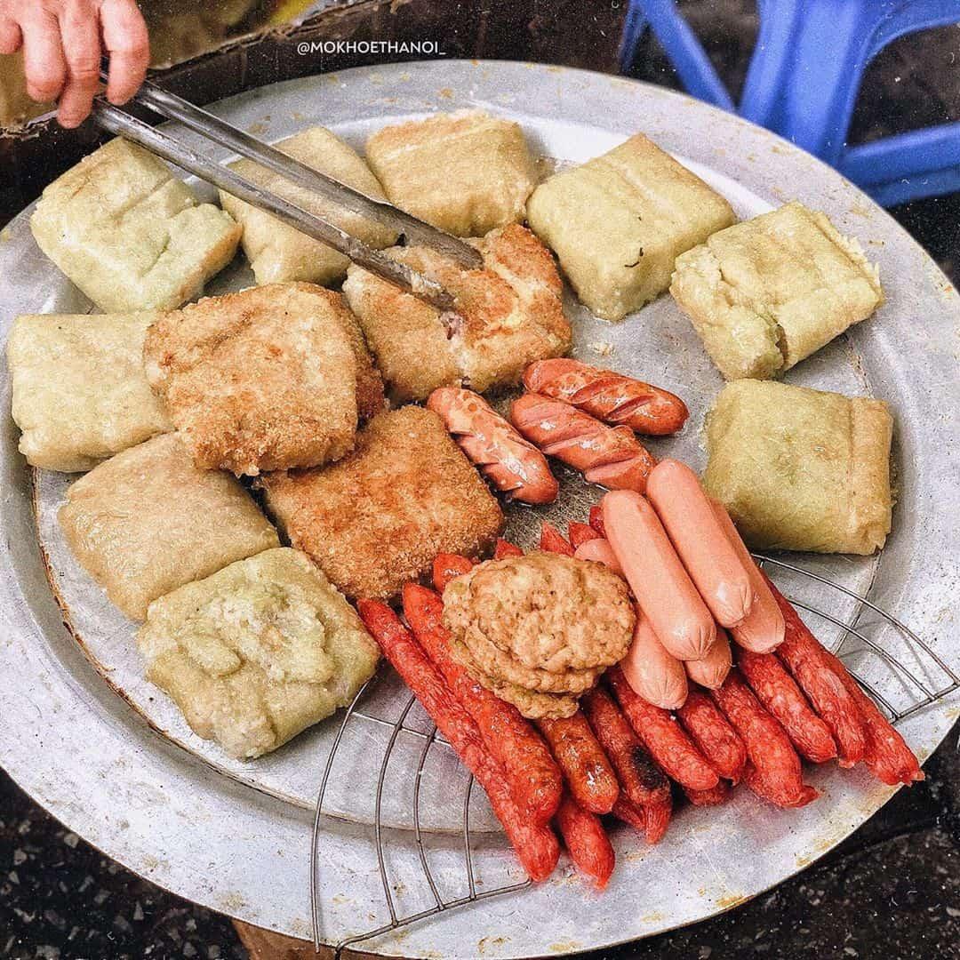 Bánh chưng rán chợ Đồng Xuân. Ảnh: @mokhoethanoi