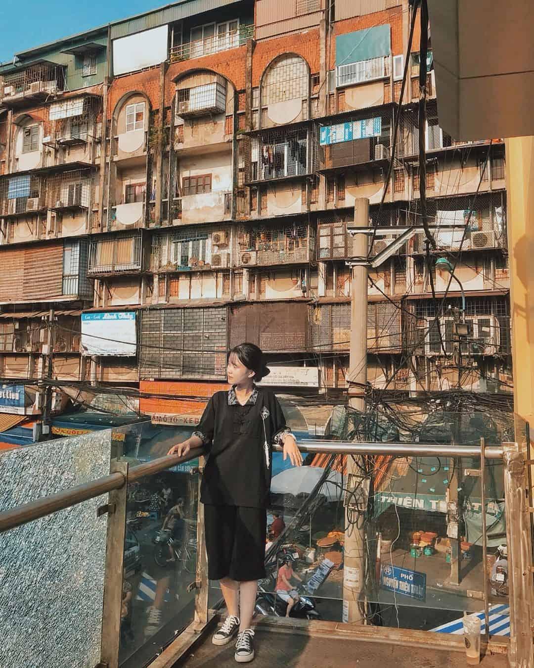 Một góc khác chợ Đồng Xuân. Ảnh: @_jieulizh_