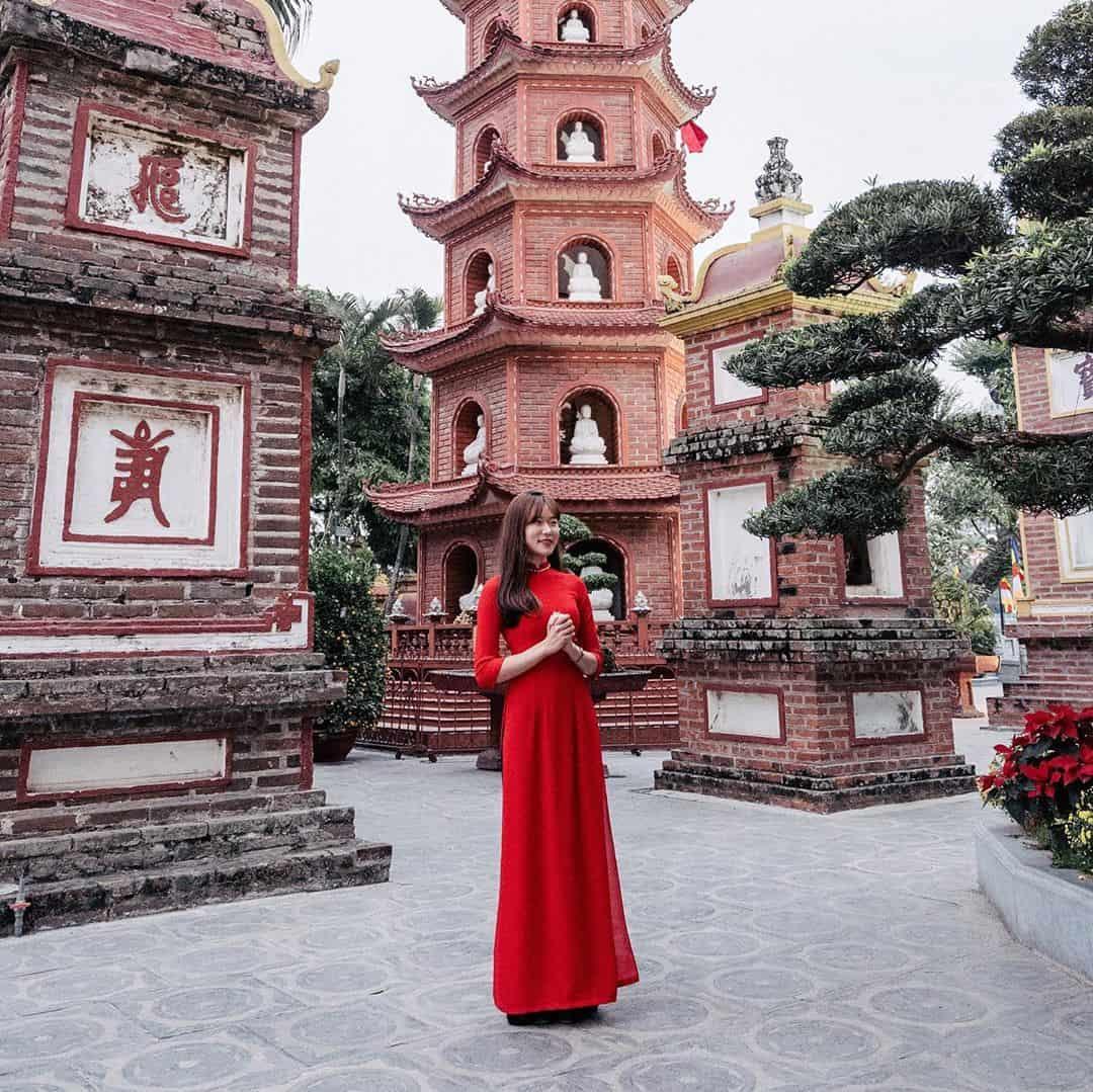 Nhớ mặc đồ lịch sự và kín đáo khi ghé thăm chùa nhé. Ảnh: @leekhsnap_official