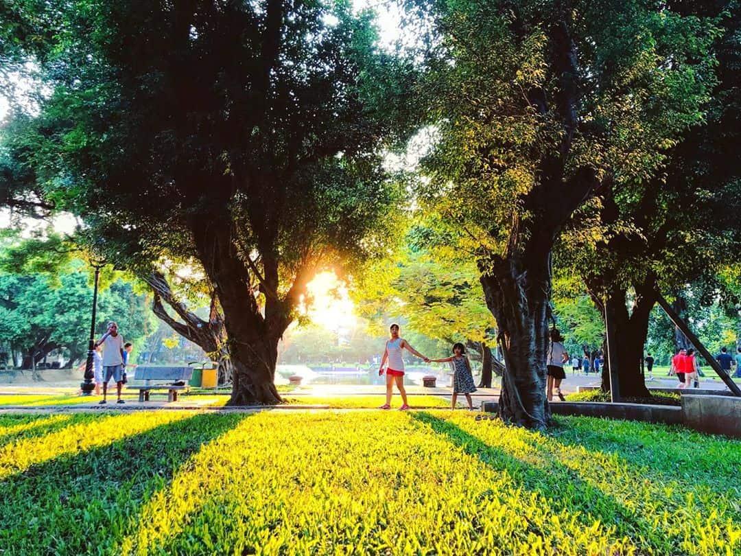 Buổi sáng tại công viên vô cùng trong lành và mát mẻ. Ảnh: @martino_quang