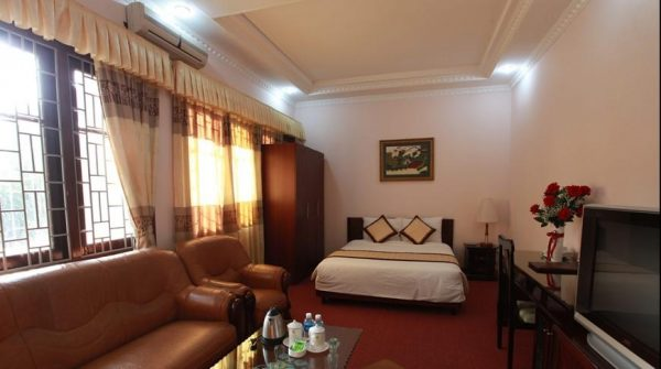 Khách sạn ở Kim Bôi