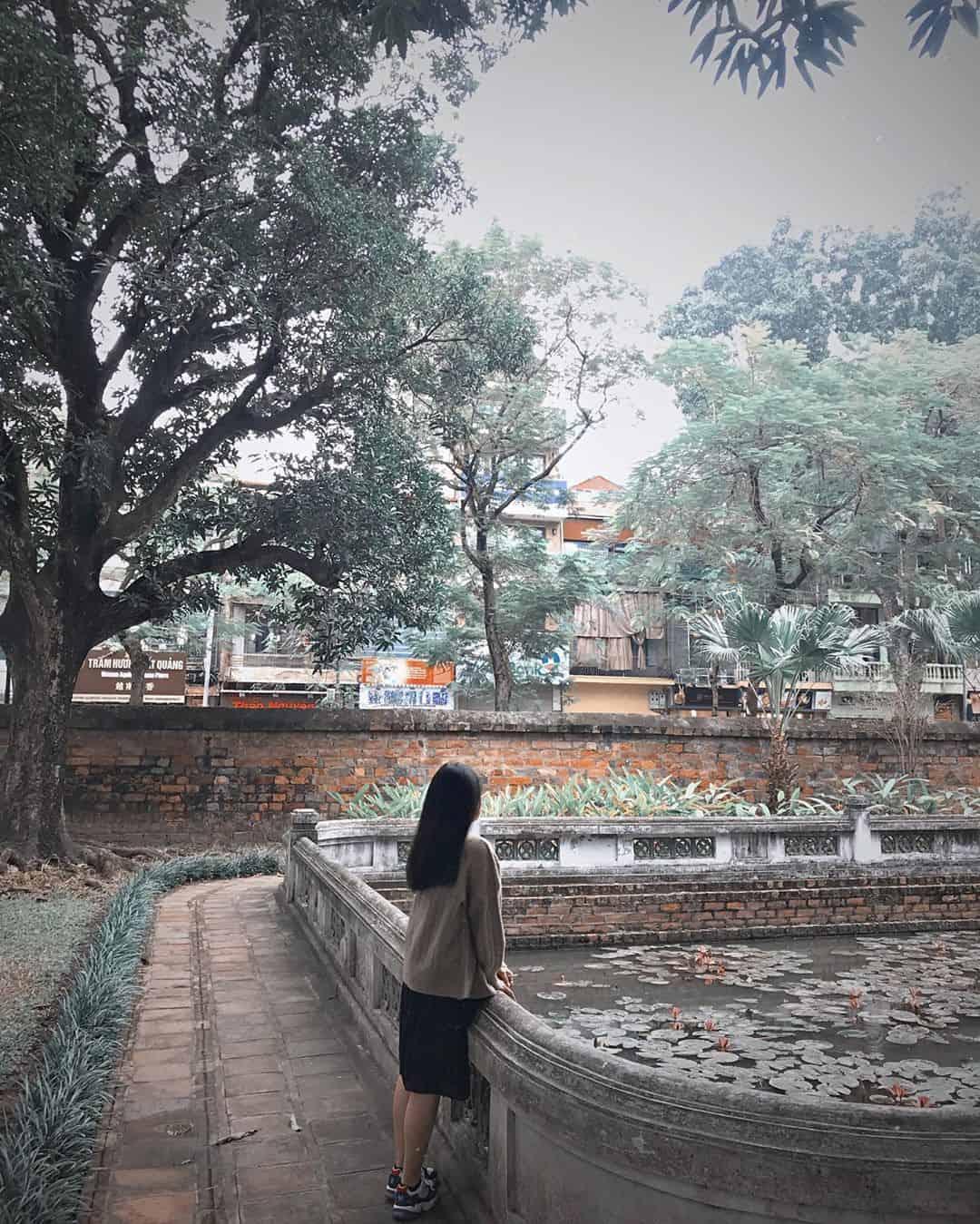 Một góc hồ trong Văn miếu. Ảnh: @pphanhuong