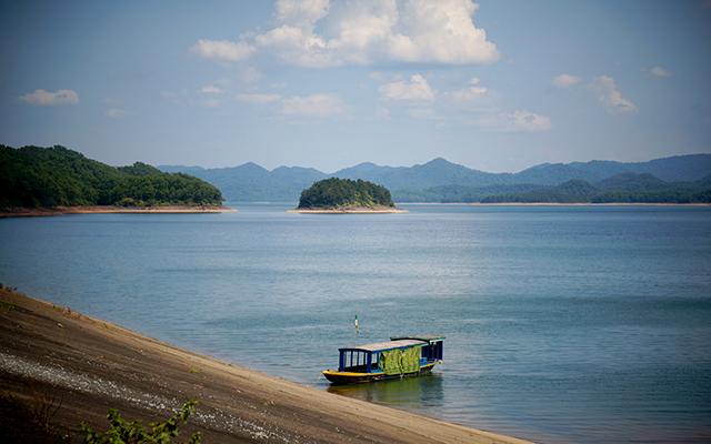 Buổi chiều yên bình ở Hồ Kẻ Gỗ
