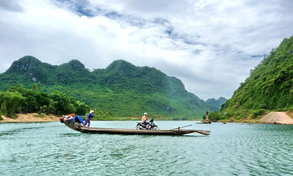 Bàu Tró - địa điểm du lịch Quảng Bình