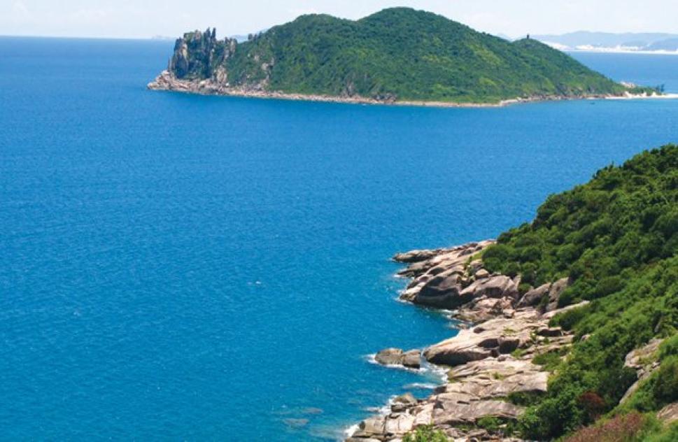 Vũng chùa Đảo Yến - địa điểm du lịch Quảng Bình