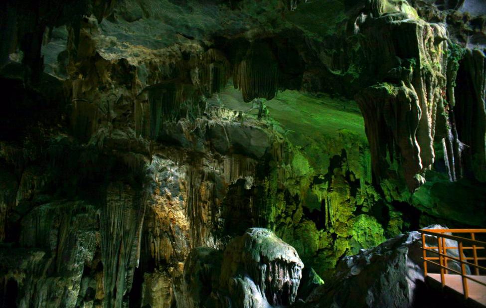 Động Tiên Sơn - địa điểm du lịch Quảng Bình