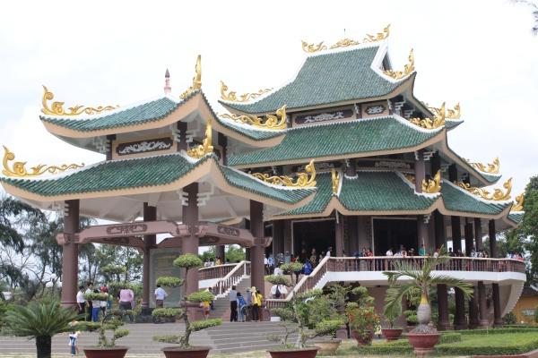 Tham quan lăng mộ cụ Nguyễn Đình Chiểu