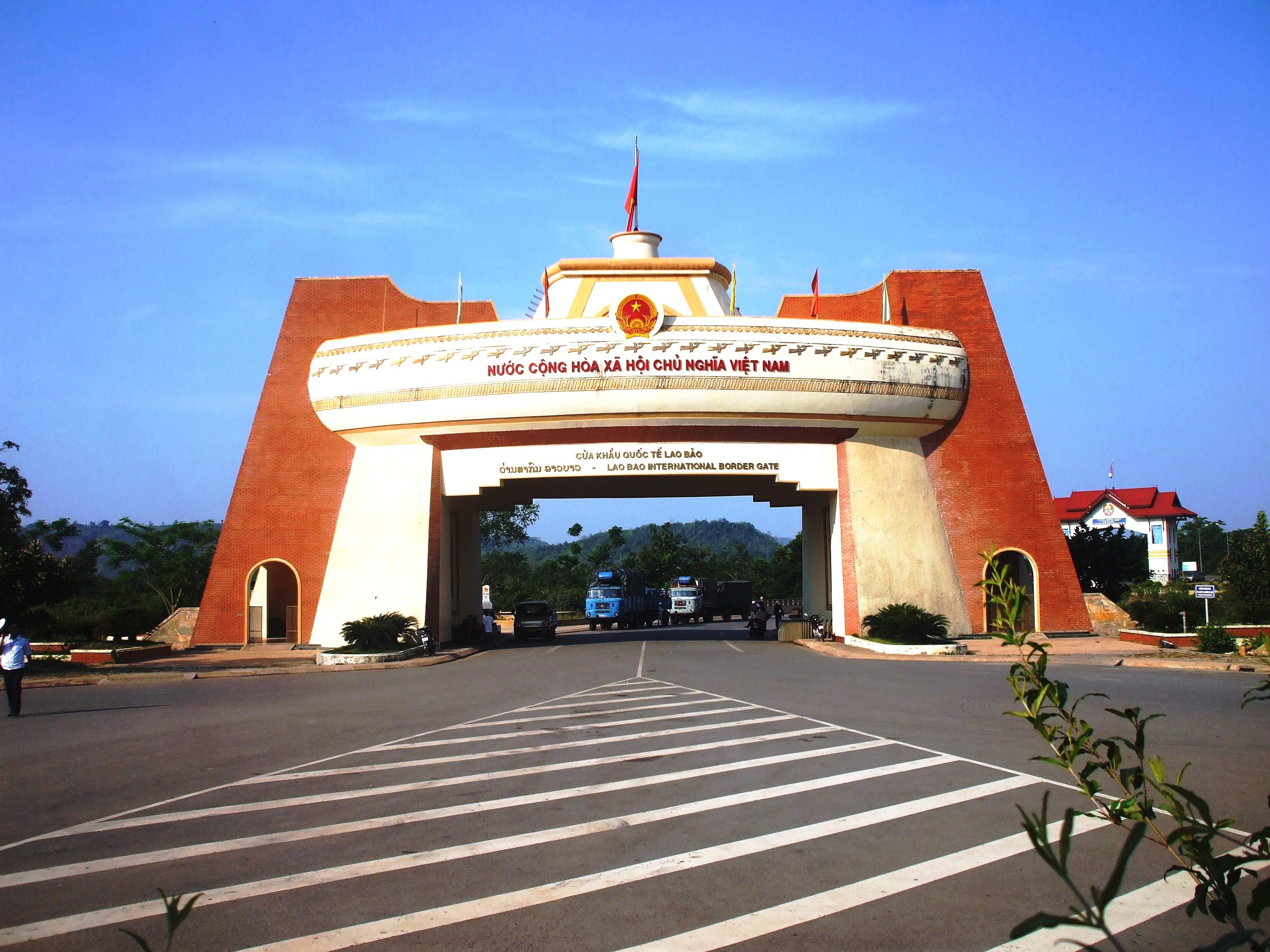 Cửa khẩu Lao Bảo: du lịch Quảng Trị