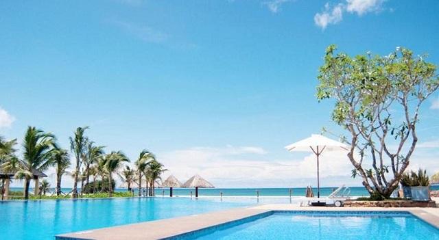 Bể bơi khách có thể yên tâm thư giãn
