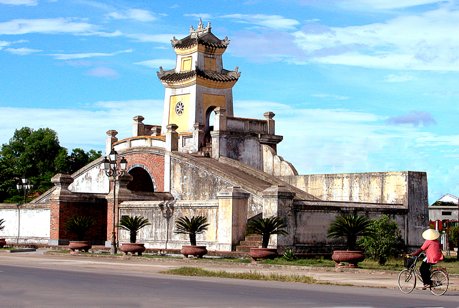 Quảng Bình Quan - địa điểm du lịch Quảng Bình