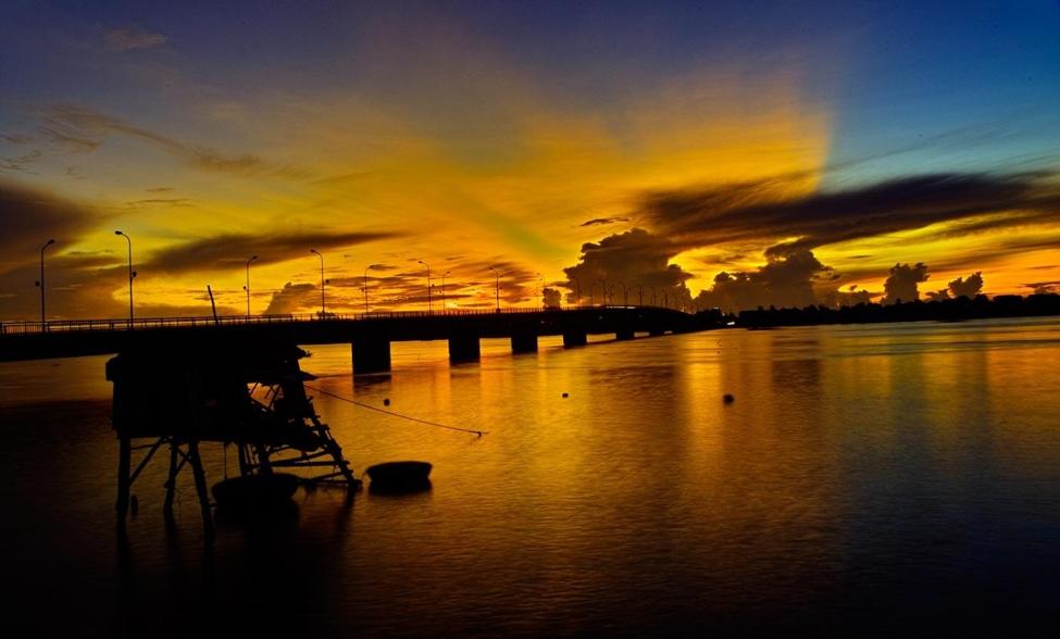 Sông Nhật Lệ - địa điểm du lịch Quảng Bình