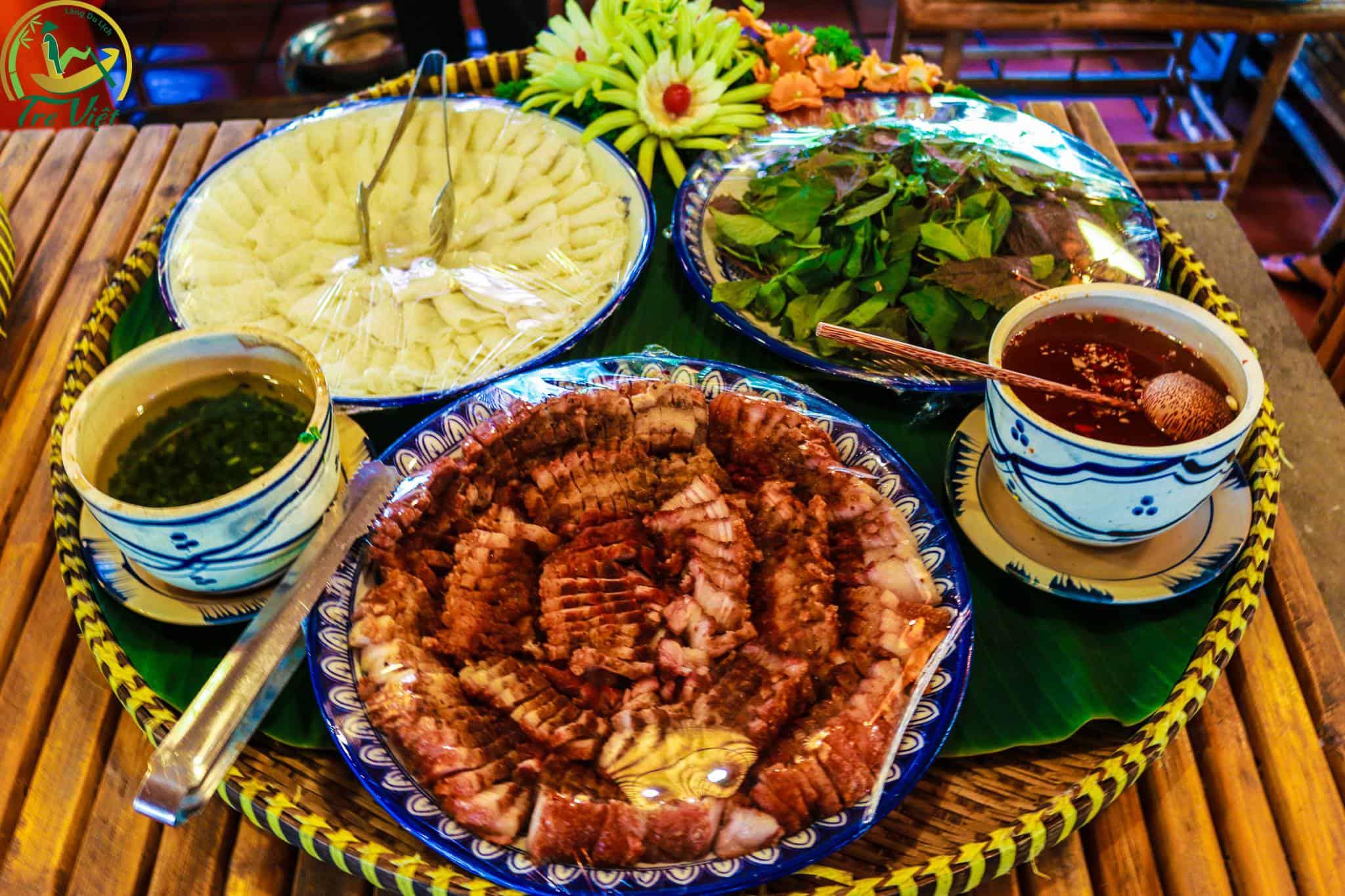 Các món ăn dân dã đơn giản nhưng vô cùng hấp dẫn.