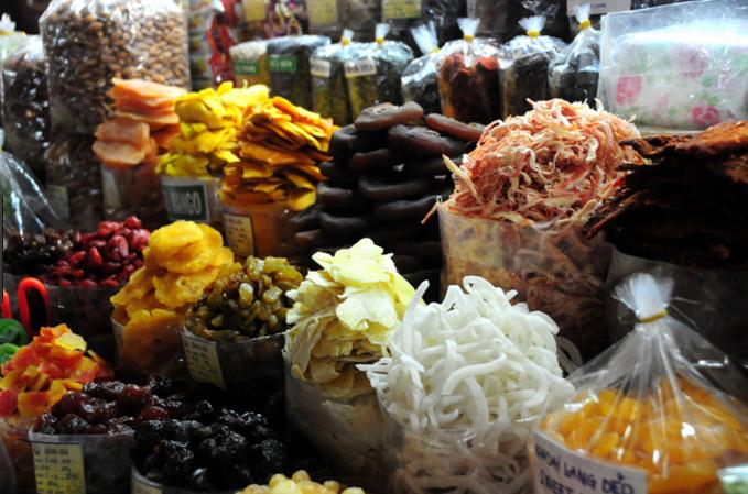 Ẩm thực bên trong chợ Bến Thành