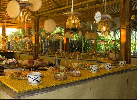 Khu vực ẩm thực đa dạng và nhiều món ngon đặc trưng