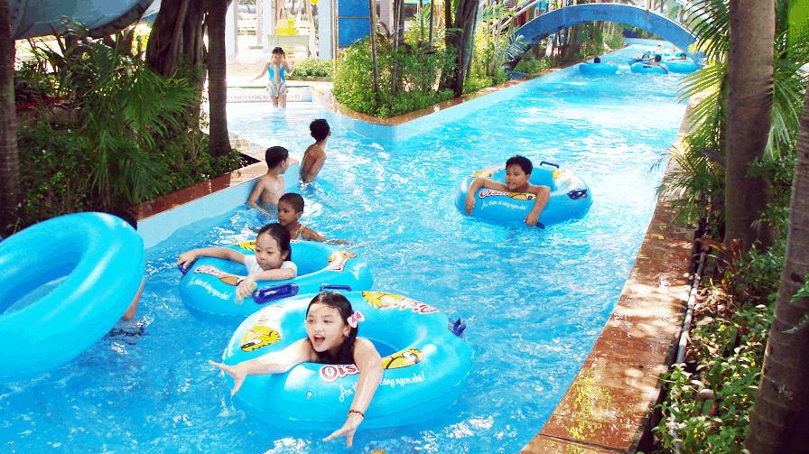 Hãy nằm trên phao để dòng nước đưa bạn đi khám phá