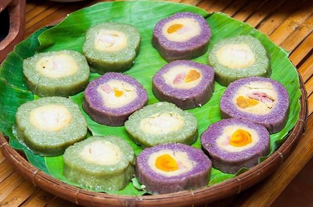 Bánh tét lá cẩm (nguồn sưu tầm)