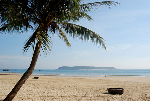 Long Thuy Beach (Photo: collection)
