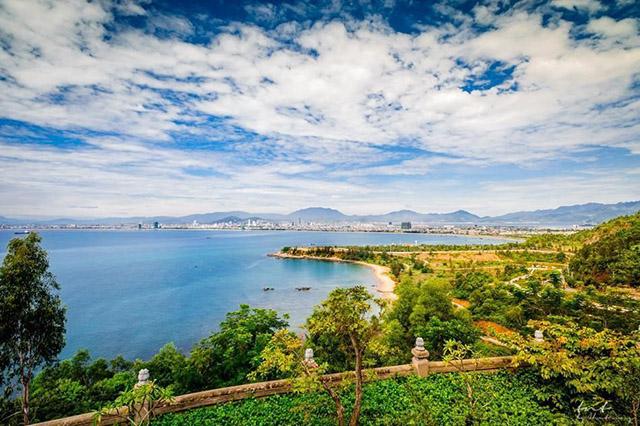 Toàn cảnh - cảnh sắc tuyệt đẹp bán đảo Sơn Trà