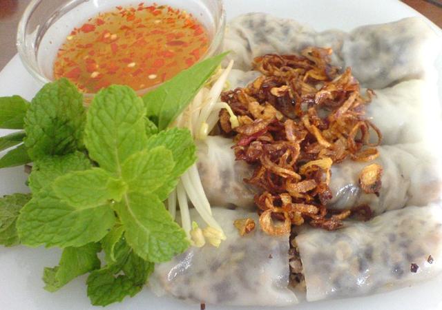 Bánh cuốn Thanh Hóa - Hương vị lạ của xứ Thanh