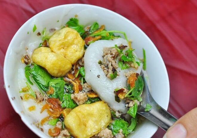 ăn vặt hà nội - bánh đúc nóng Lê Ngọc Hân