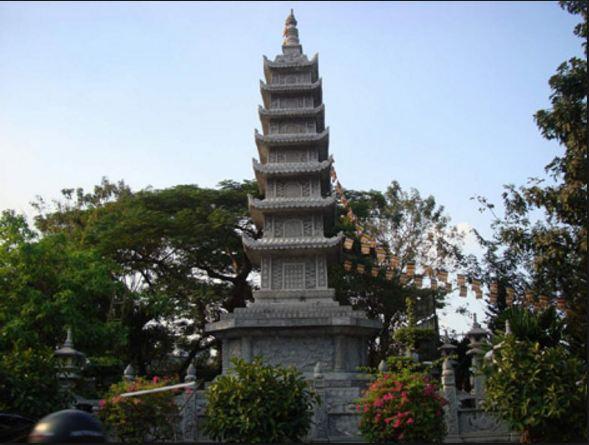 Tháp Đá chùa Vĩnh Nghiêm Sài Gòn