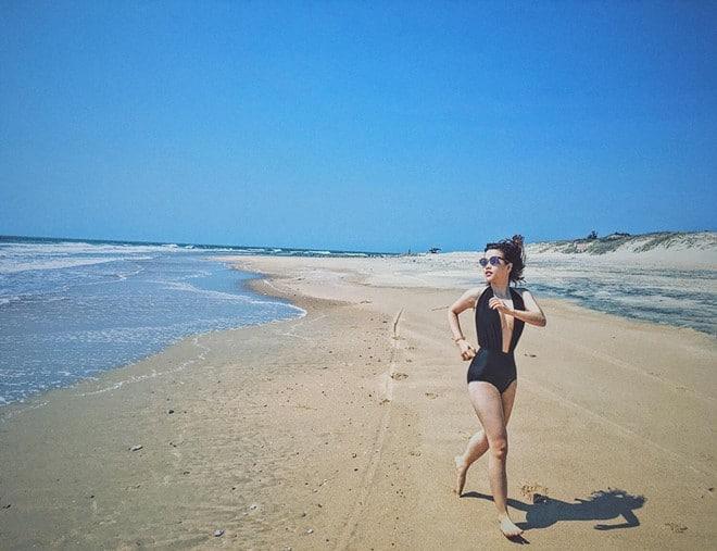 Biển Long Hải rất trong và sạch, rất thích hợp cho các chuyến đổi gió cuối tuần.