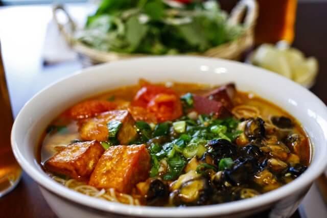 ăn vặt hà nội - bún ốc Hàng Chai
