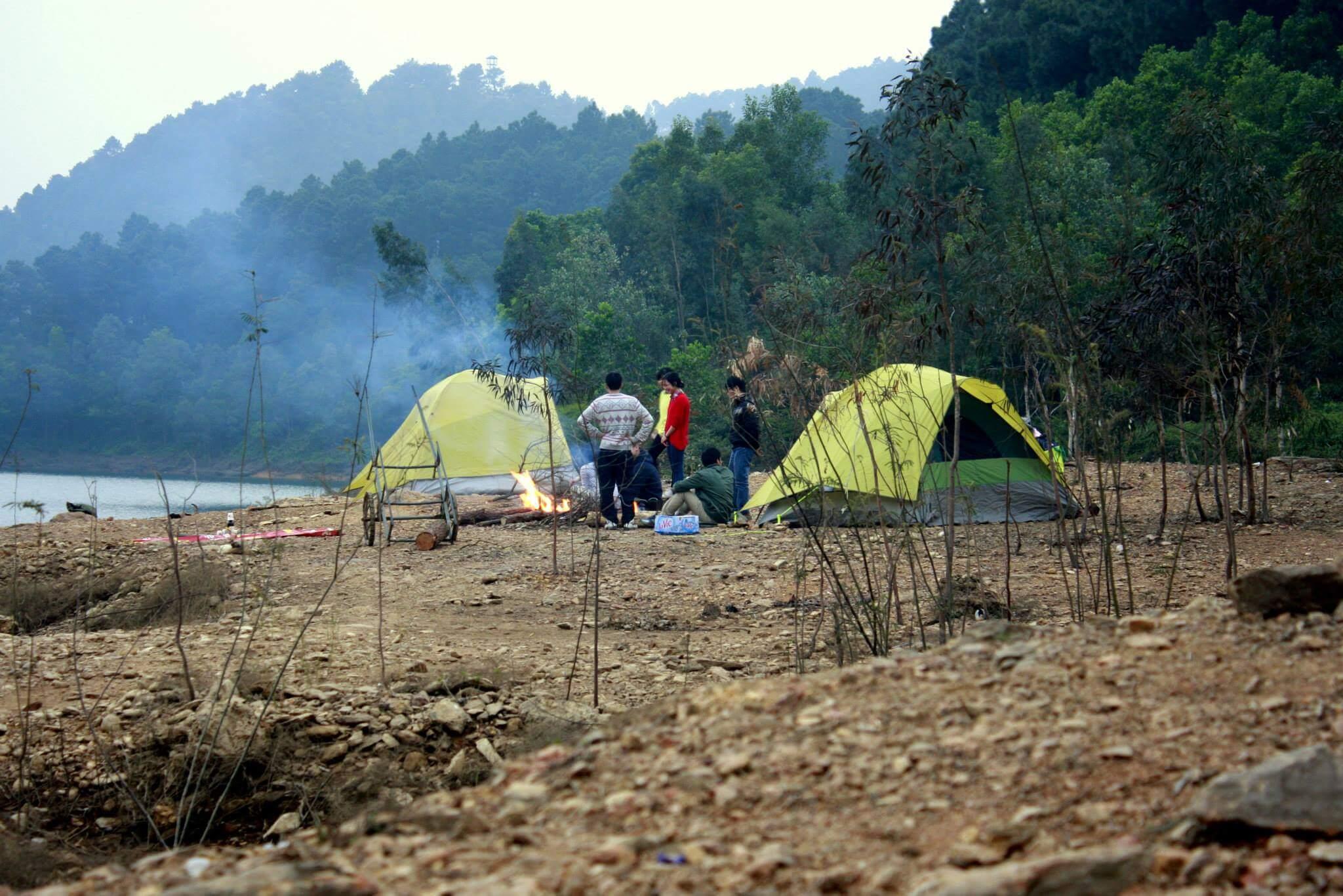 cắm trại đêm ở Hàm Lợn