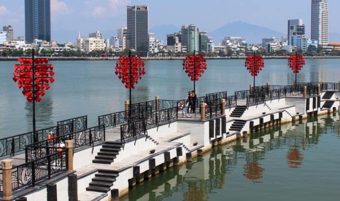Cầu Tình Yêu ở Đà Nẵng (Ảnh ST)