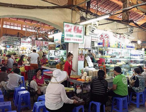 Quán chè hơn 40 năm tại cổng số 7 chợ Bến Thành