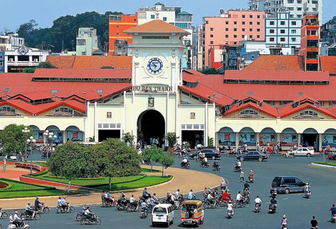 Chợ Bến Thành quận 1 - biểu tượng của thành phố Hồ Chí Minh