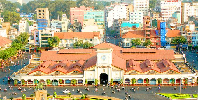 Toàn cảnh Chợ Bến Thành cổ kính và rộng lớn