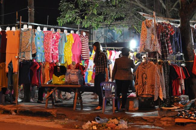chợ đêm Lĩnh Nam Hà Nội
