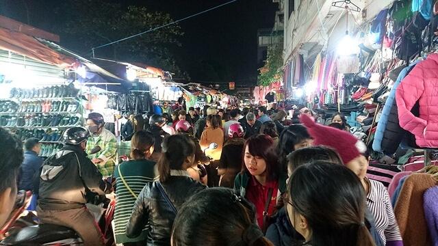 chợ đêm sinh viên hà nội