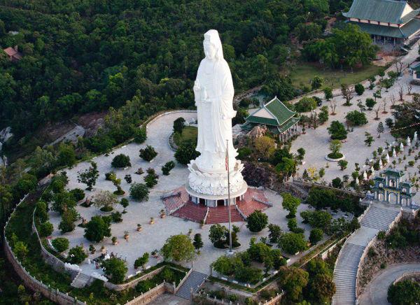 Quan Thế Âm Bồ Tát chùa Linh Ứng - địa điểm Đà Nẵng
