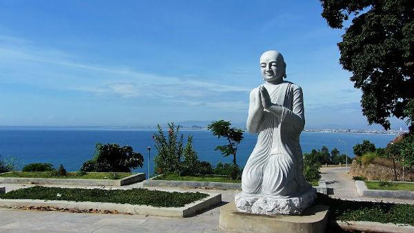 Các vị La Hán Chùa Linh Ứng - Điểm du lịch Đà Nẵng