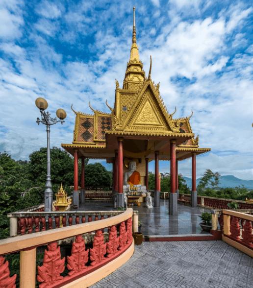 Chùa Tà Pạ có lối kiến trúc kiểu Khmer