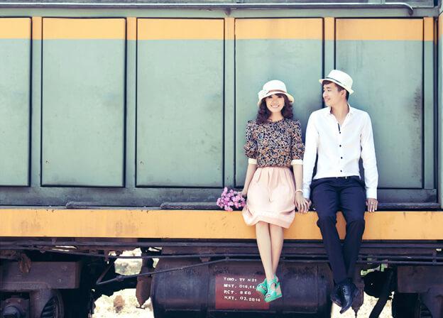 chụp ảnh ở ga Yên Viên