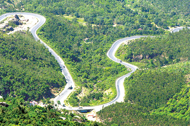 The beauty of Phu Yen Mong Pass