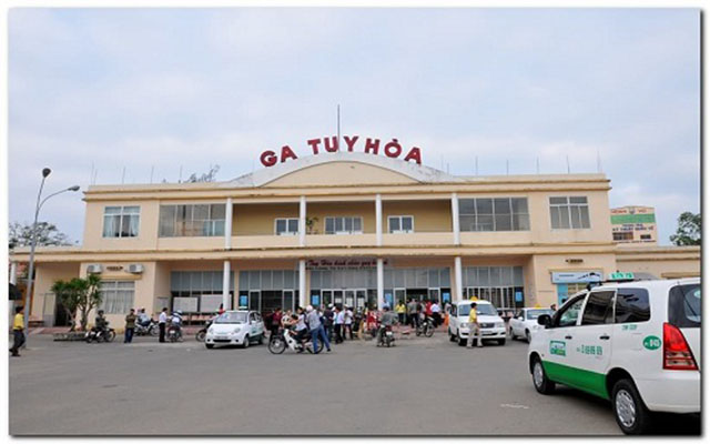 Can travel by train from Hanoi and Saigon to Phu Yen (Photo: collect)