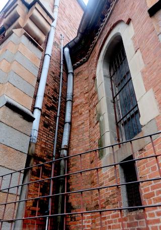 Một góc kiến trúc cổ kính của nhà thờ Đức Bà