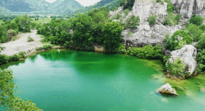 Hồ Tà Pạ 1