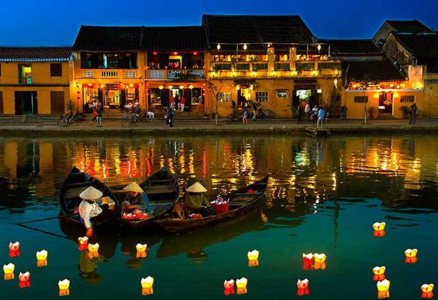Vào những ngày rằm có thể kết hợp du lịch Cù Lao Chàm và phố cổ Hội An (Ảnh: Sưu tầm)