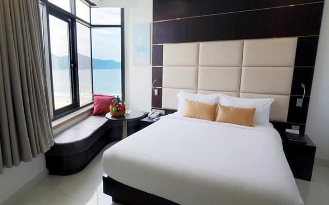 Holiday Beach Danang Hotel