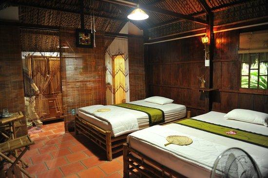 Phòng ngủ đơn giản như nếp sống người Tây Nam Bộ (Ảnh: ST)