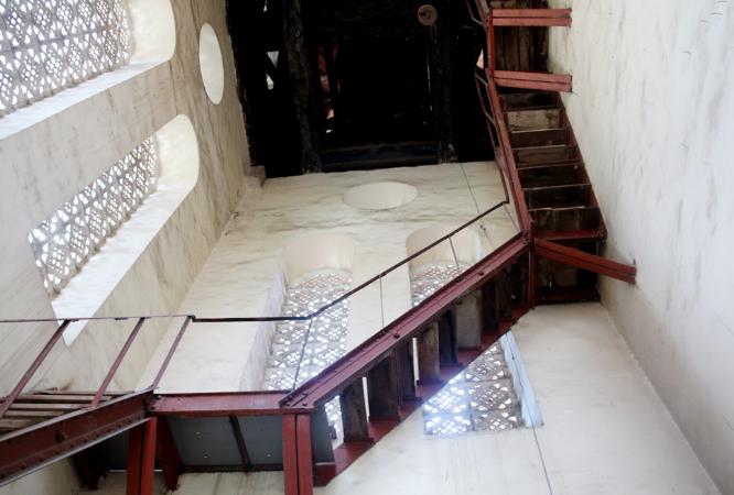 Lối cầu thang để đi lên Tháp Chuông
