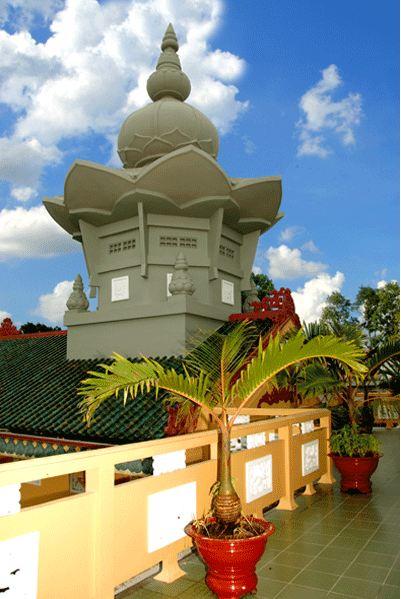 Hoa tạng trên mái chùa